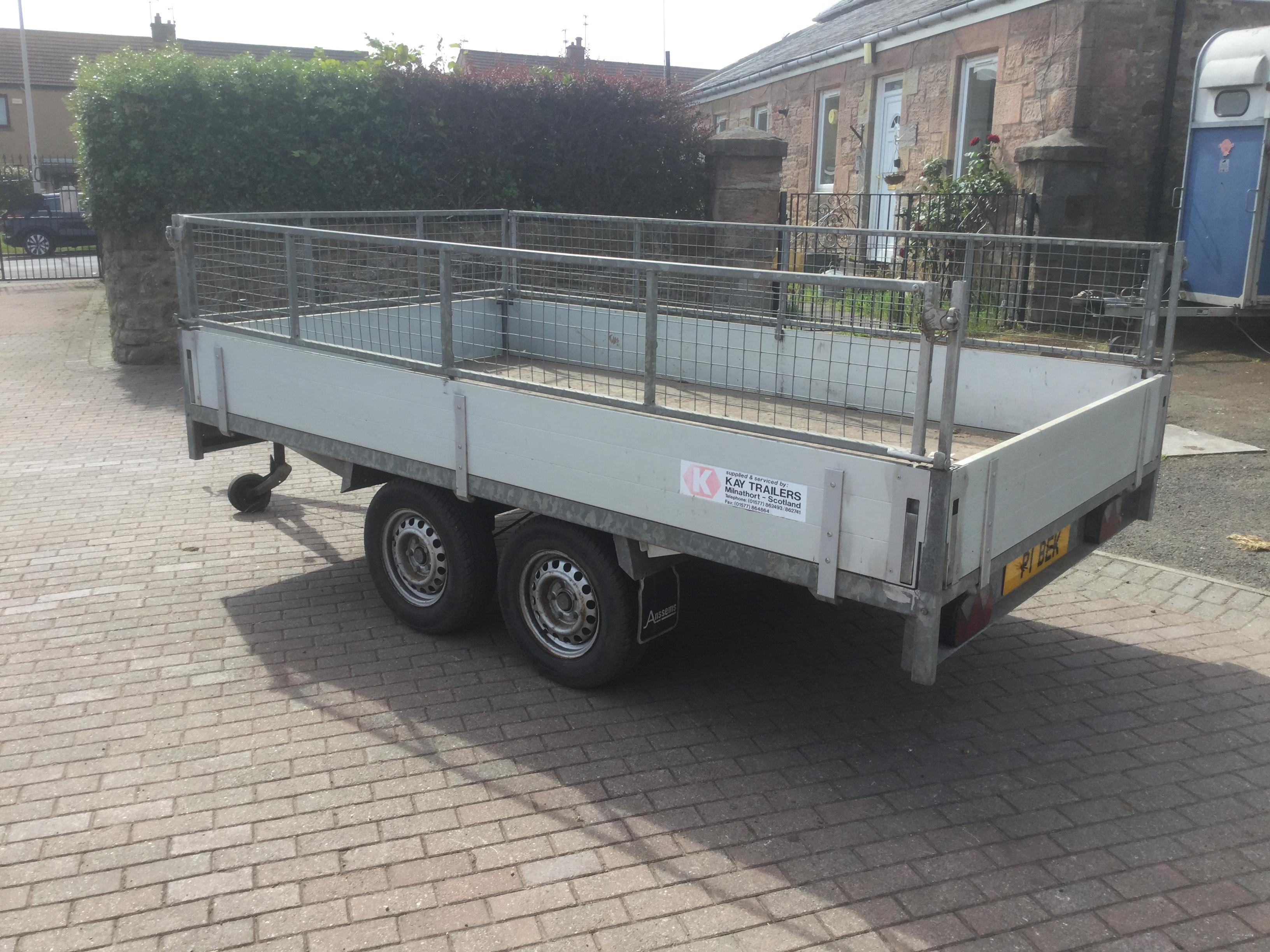 anssems trailer with cage sides