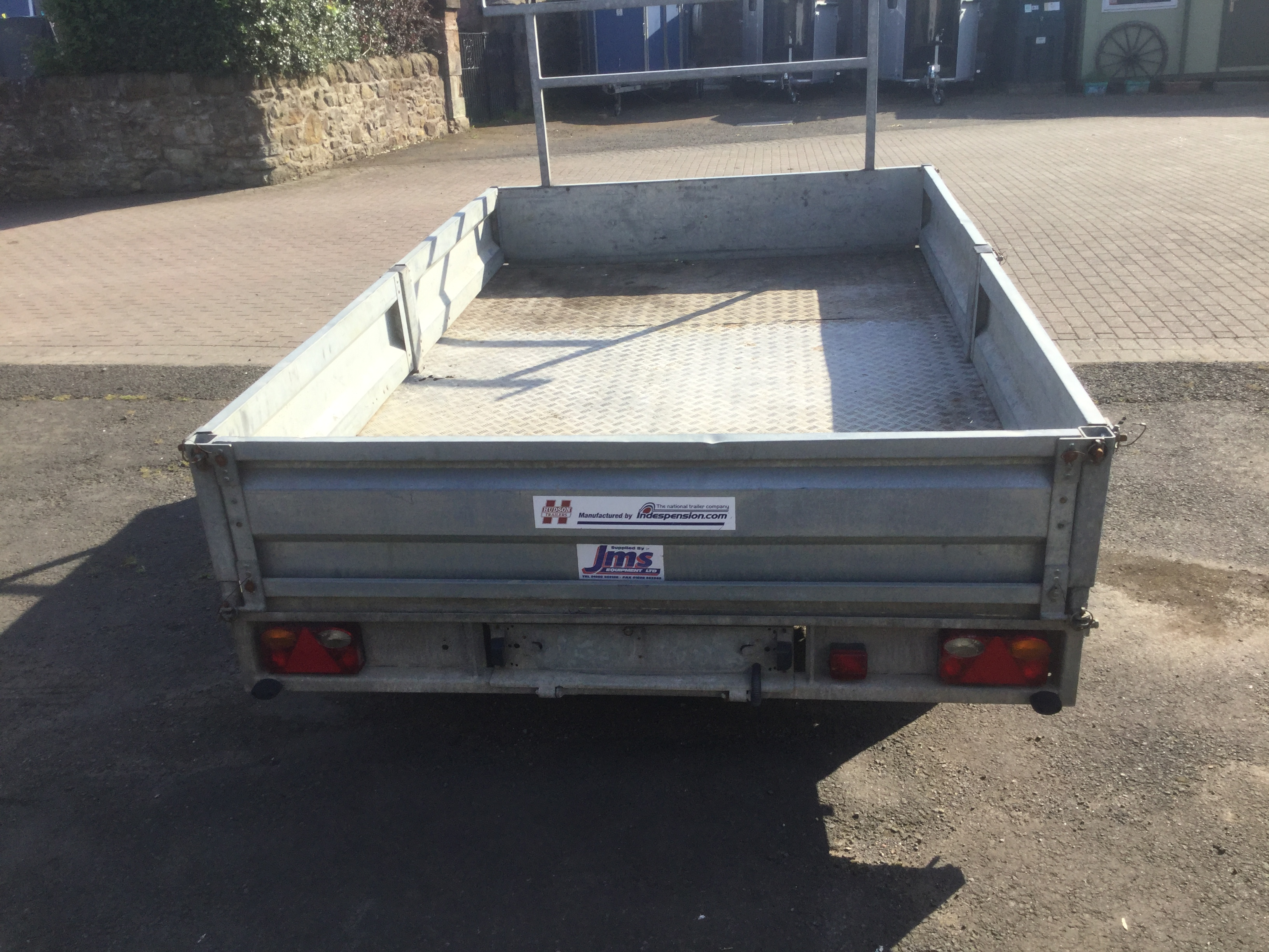 Indespension flat trailer rear view