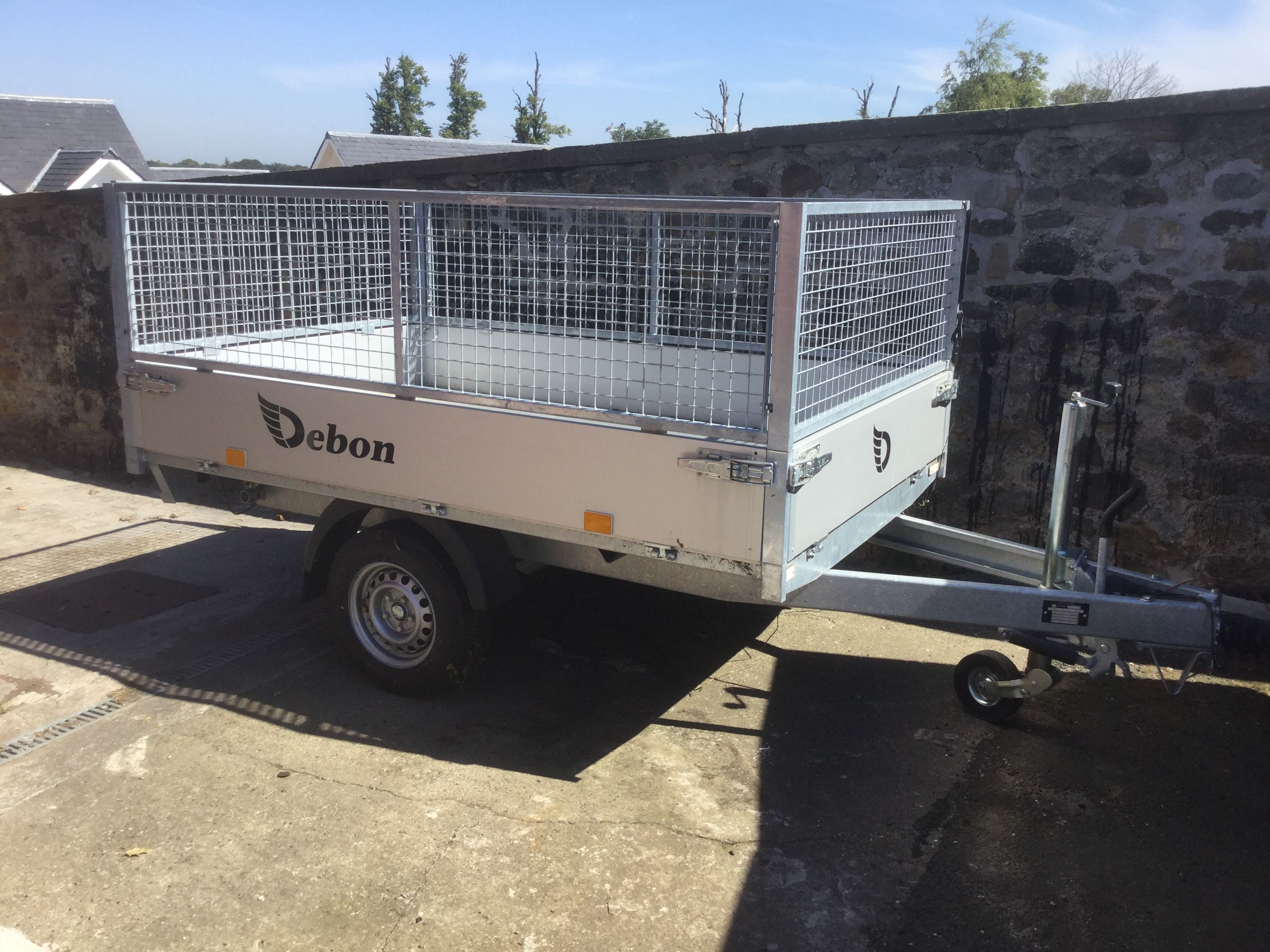 Debon electric tipper with cage sides