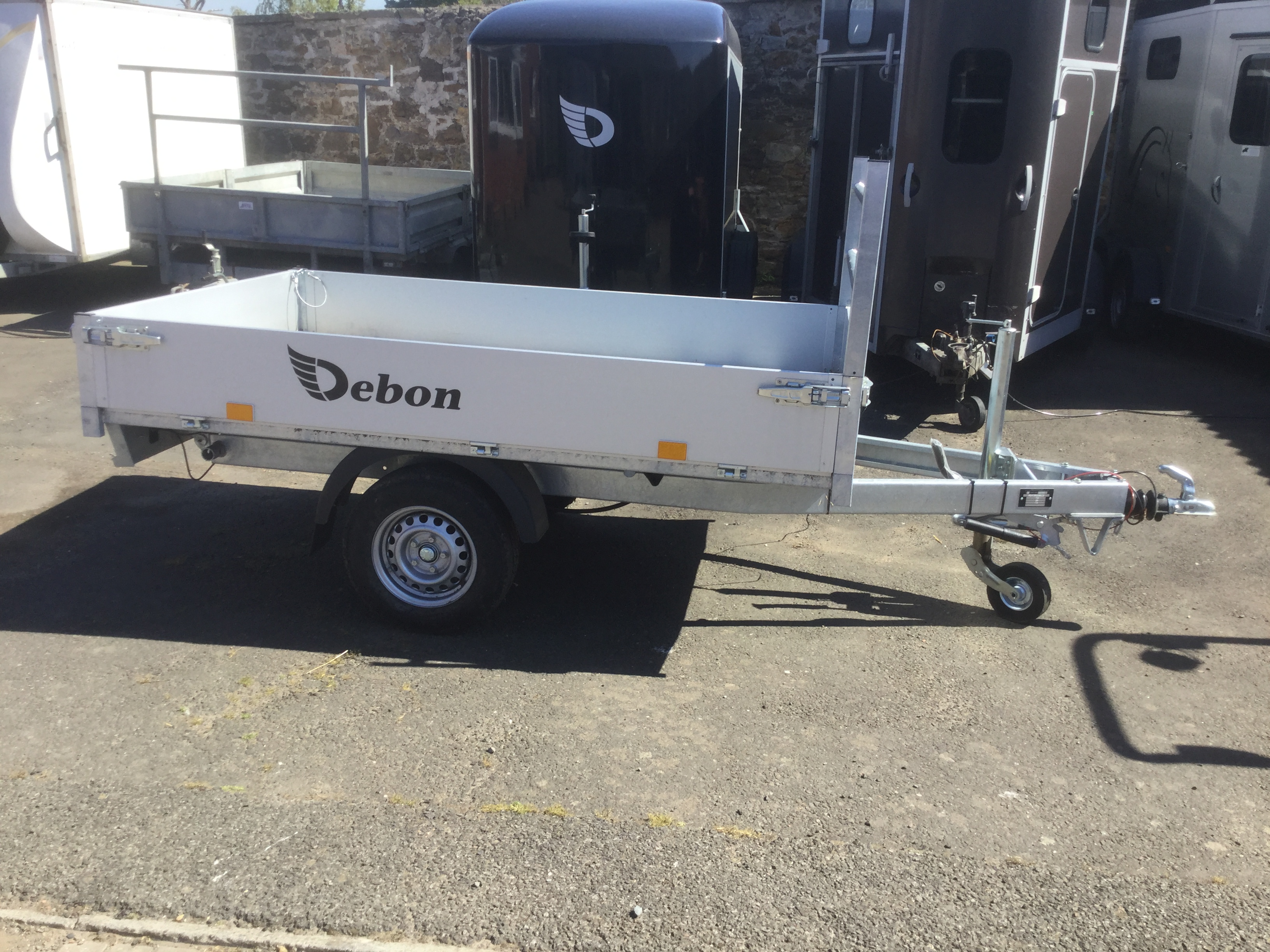 Debon single axle tipper