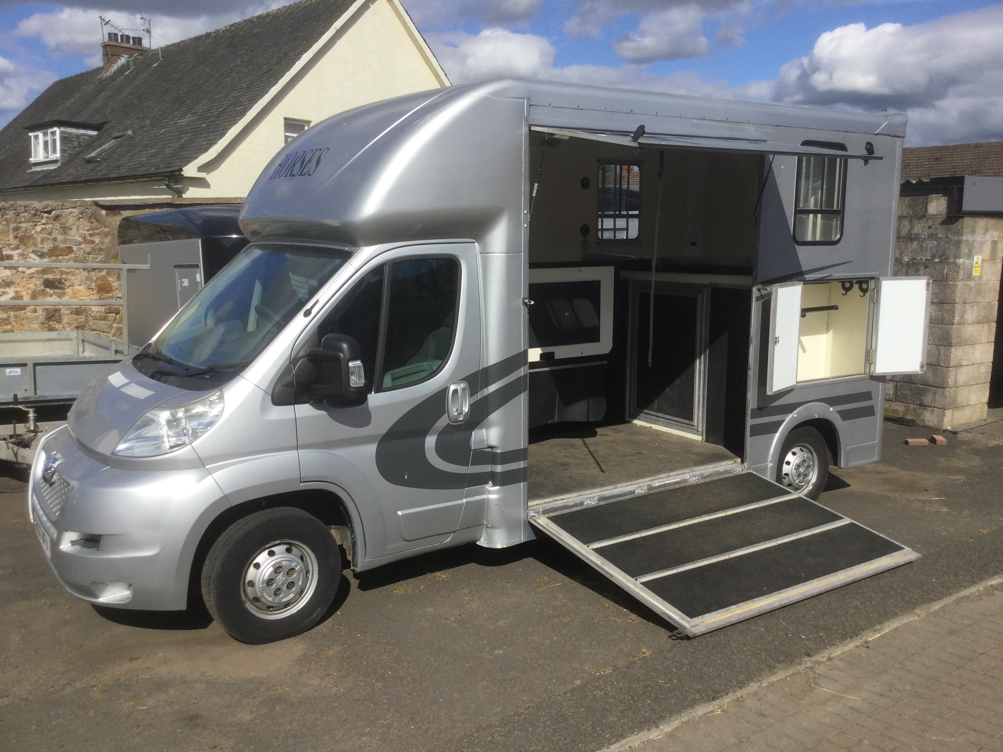 Evolution Peugeot horsebox