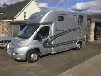 Peugeot Evolution horsebox